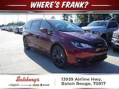 2018 Chrysler Pacifica TOURING L PLUS DVD NAV Passenger Van
