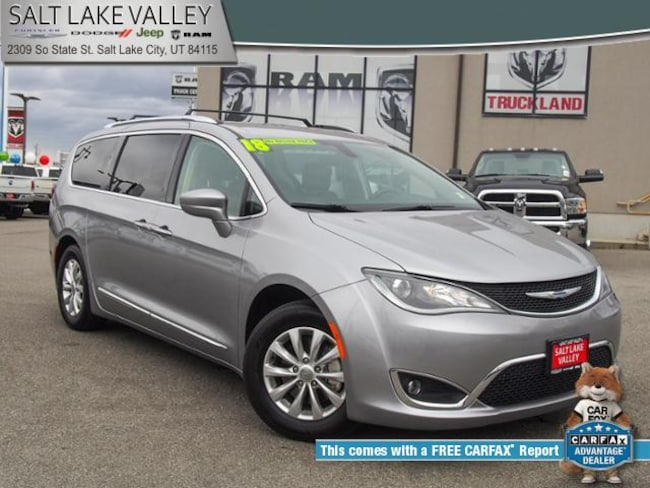 2018 Chrysler Pacifica Touring L FWD Van