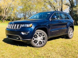 New Chrysler Dodge Jeep Ram models 2018 Jeep Grand Cherokee STERLING EDITION 4X2 Sport Utility 1C4RJEBG1JC145186 for sale in Saluda, SC