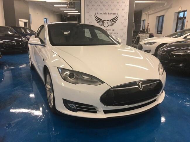 2015 Tesla Model S Autopilot Sedan