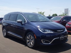 New 2018 Chrysler Pacifica HYBRID LIMITED Passenger Van 2C4RC1N71JR273238 for sale in Peoria, IL at Sam Leman Chrysler Dodge Jeep Ram of Peoria