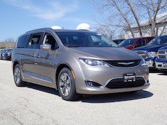 New 2018 Chrysler Pacifica HYBRID LIMITED Passenger Van 2C4RC1N73JR236742 for sale in Peoria, IL at Sam Leman Chrysler Dodge Jeep Ram of Peoria