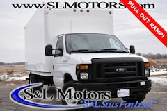 2017 Ford E-450SD 16 Cutaway Cube Van Cab/Chassis
