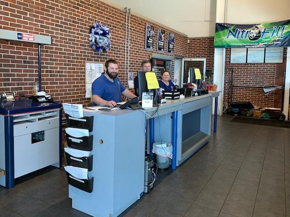 Sam Scism Ford >> Service Center Sam Scism Ford
