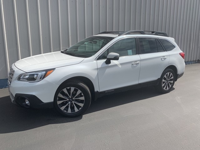 Certified Pre-Owned 2017 Subaru Outback 2.5i Limited with SUV Bakersfield, CA