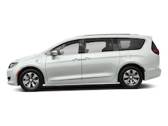 New 2018 Chrysler Pacifica Hybrid LIMITED Passenger Van in San Leandro, CA