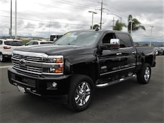 2015 Chevrolet Silverado 2500HD High Country Crew Cab Truck