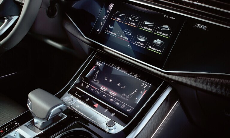 2020 Audi Q8 infotainment system and digital display