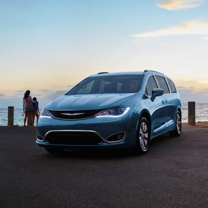 New 2017 Chrysler Pacifica Hybrid