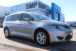 2018 Chrysler Pacifica Touring-L Plus -Leather, Sunroof, DVD, Rem Start Van Passenger Van