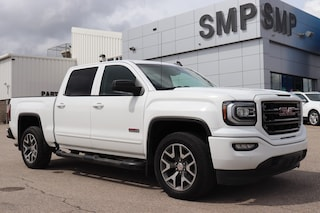 2017 GMC Sierra 1500 SLT - All Terrain, Leather, Sunroof, Nav Truck Crew Cab
