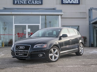 2013 Audi A3 S-LINE Quattro AWD  Panorama Roof/Clean Carproof Hatchback