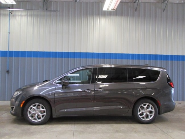 New 2019 Chrysler Pacifica TOURING PLUS Passenger Van in Rochelle, IL
