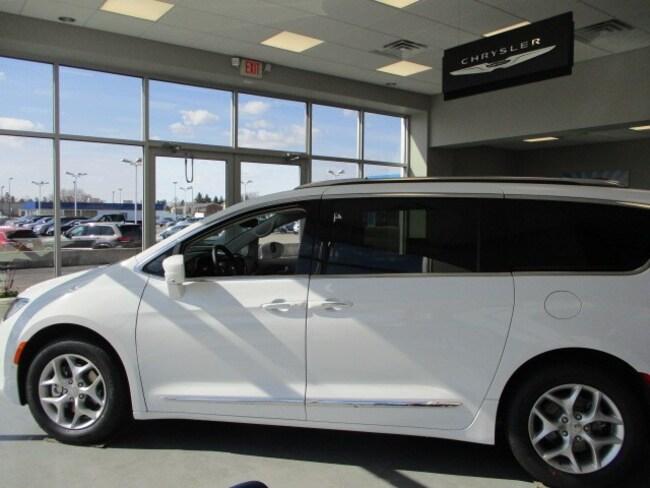 New 2019 Chrysler Pacifica TOURING L PLUS Passenger Van in Rochelle, IL