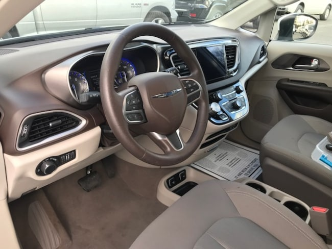 used 2017 chrysler pacifica touring for sale in saugerties ny near albany kingston hudson. Black Bedroom Furniture Sets. Home Design Ideas