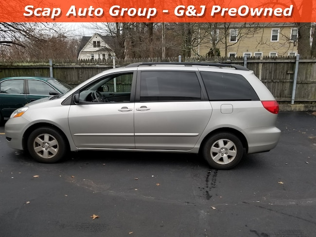 2008 Toyota Sienna LE Van in Fairfield, CT