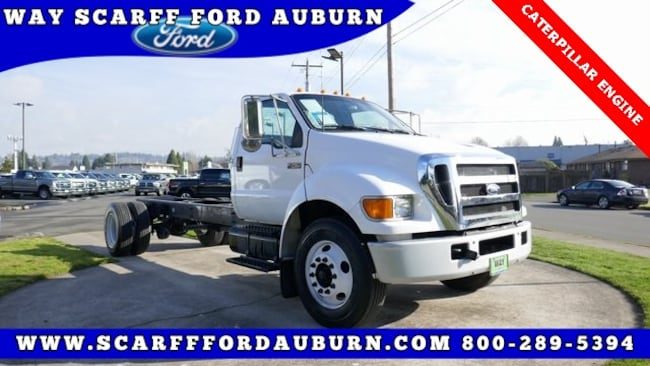 2004 Ford F-750SD XL Chassis Cab Truck