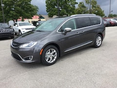 2018 Chrysler Pacifica LIMITED Passenger Van 2C4RC1GG6JR357651