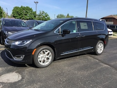 2018 Chrysler Pacifica TOURING L PLUS Passenger Van 2C4RC1EG5JR306192