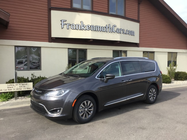 New 2019 Chrysler Pacifica TOURING L PLUS Passenger Van Frankenmuth