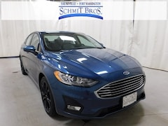 New 2019 Ford Fusion SE Sedan 3FA6P0HD7KR129309 for sale in Saukville, WI at Schmit Bros. Auto