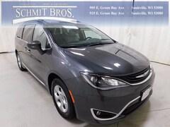2018 Chrysler Pacifica HYBRID TOURING L Passenger Van