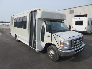 2013 FORD E450 Turtle Top 16 Passenger + 2 W/C OR 18 Passenger + 1 W/C