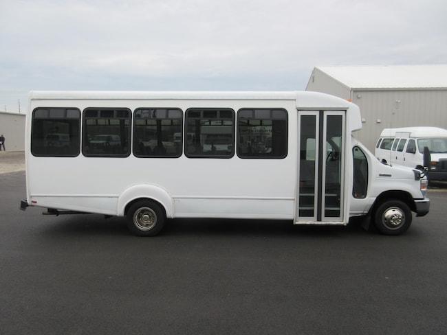 2012 FORD E450 - Goshen Coach 24 Passenger + Driver