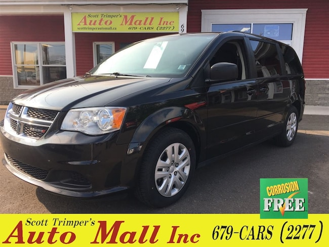 2016 Dodge Grand Caravan SXT Great People Mover! Minivan