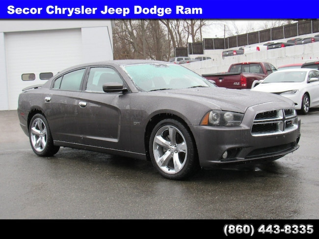 Used 2013 Dodge Charger RT Sedan for sale in New London