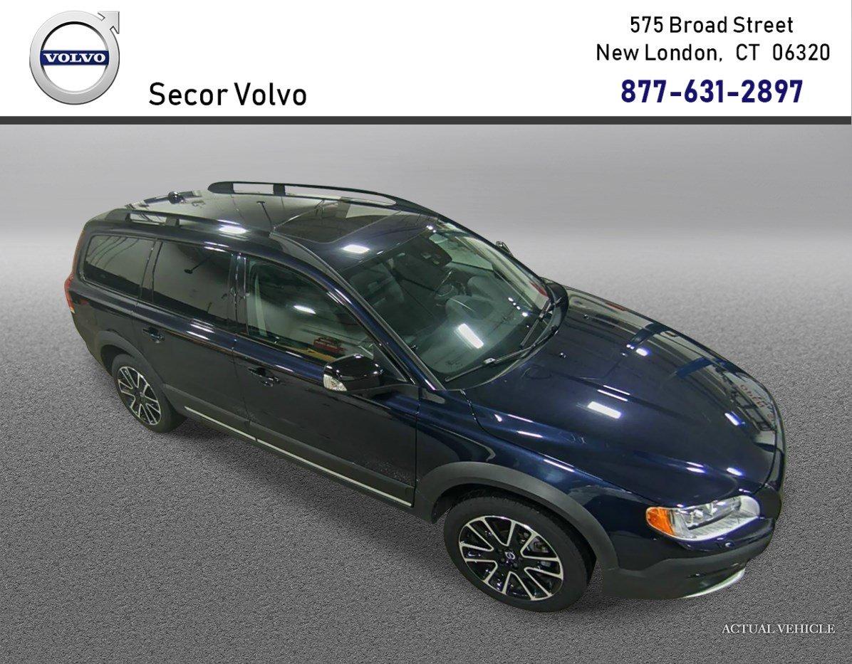 2016 Volvo XC70 T5 Platinum Wagon