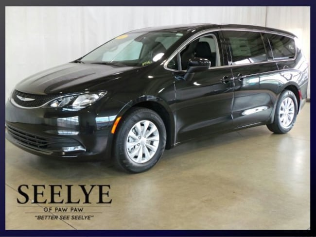 DYNAMIC_PREF_LABEL_AUTO_USED_DETAILS_INVENTORY_DETAIL1_ALTATTRIBUTEBEFORE 2017 Chrysler Pacifica Touring Minivan/Van for sale near portage