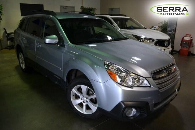 2014 Subaru Outback 2.5i SUV 4S4BRCCC9E3243877