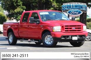 2004 Ford F-250 XLT W/ 6.8L V10 Truck Crew Cab