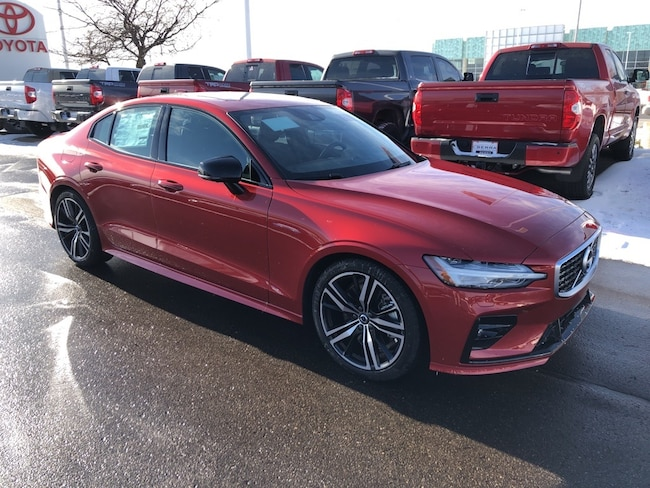 New 2019 Volvo S60 T6 R-Design Sedan for sale/lease in Traverse City
