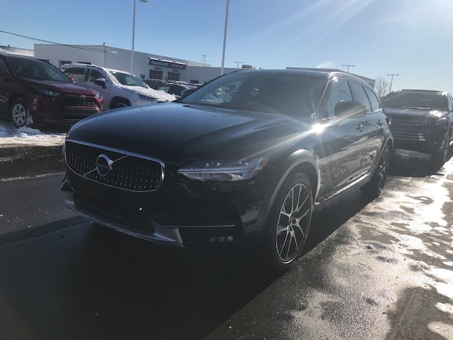 New 2019 Volvo V90 Cross Country T6 Wagon for sale/lease in Traverse City
