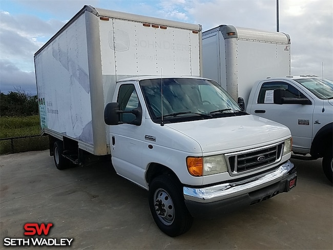 2006 Ford E-450 Cutaway Base Truck for sale at Seth Wadley Chrysler Dodge Jeep Ram in Pauls Valley, OK
