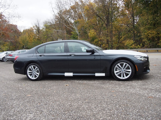 2017 BMW 750i xDrive Sedan