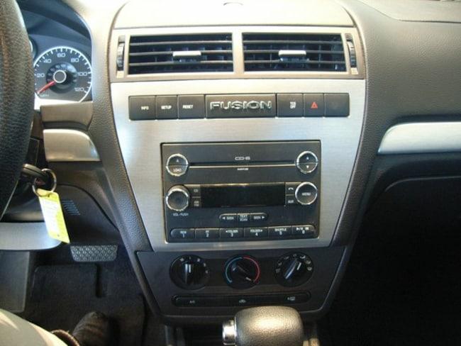 2009 ford fusion radio wont turn on