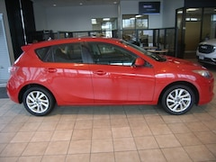 2013 Mazda Mazda3 i Touring Hatchback For Sale in Hagerstown, MD