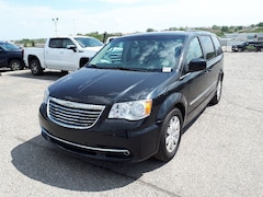 2014 Chrysler Town & Country Touring   Cloth   3 Zone Climate   Power Liftgate Van Passenger Van