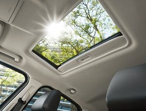 POWER MOONROOF AND SUNSHADE