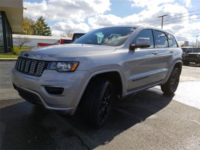 new 2019 jeep grand cherokee altitude 4x4 for sale near louisville ky 1c4rjfag5kc561847. Black Bedroom Furniture Sets. Home Design Ideas