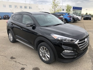 2018 Hyundai Tucson SE - Leather, Sunroof, Backup Camera!