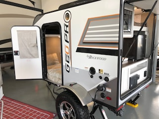 2019 ROCKWOOD GEO PRO 12RK IN OUR SHOWROOM White