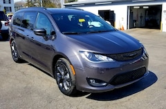New 2018 Chrysler Pacifica TOURING L PLUS Passenger Van for Sale in Shippensburg, PA