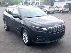 New 2019 Jeep Cherokee LATITUDE FWD Sport Utility for Sale in Shippensburg, PA