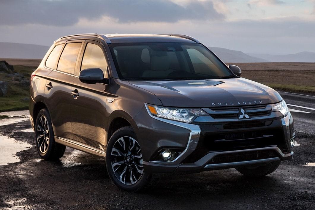 2018 Mitsubishi Outlander PHEV gray