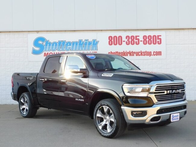 New 2019 Ram 1500 LARAMIE CREW CAB 4X4 5'7 BOX Crew Cab Mount Pleasant