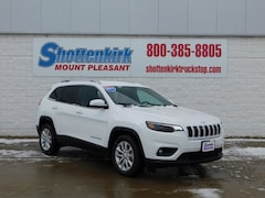 2019 Jeep Cherokee LATITUDE FWD Sport Utility 1C4PJLCB2KD384157 for sale in Mt. Pleasant, IA at Shottenkirk Mount Pleasant